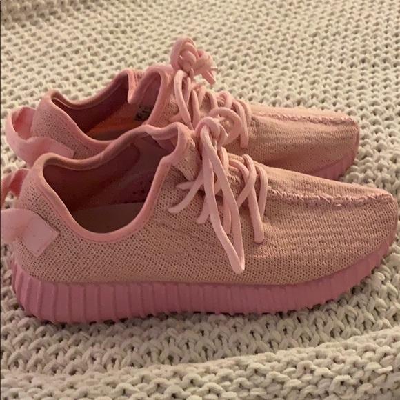 10c12e51d5891 Yeezy boost 350 Pink Big Kids Size 6. M 5c72b4860cb5aa98cb8e6f5a